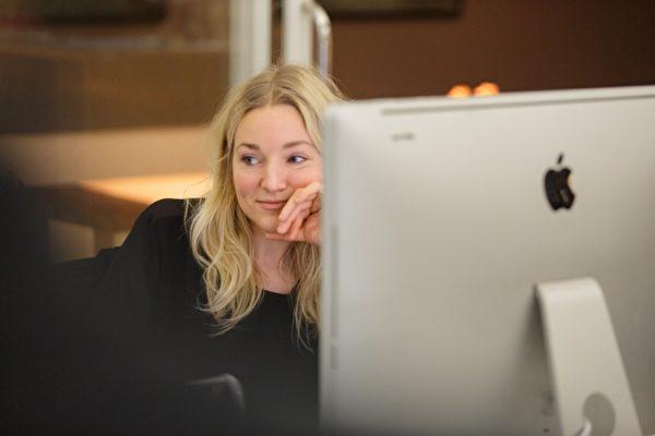 Efter examen: Julia producerar reklamfilmer på Bsmart