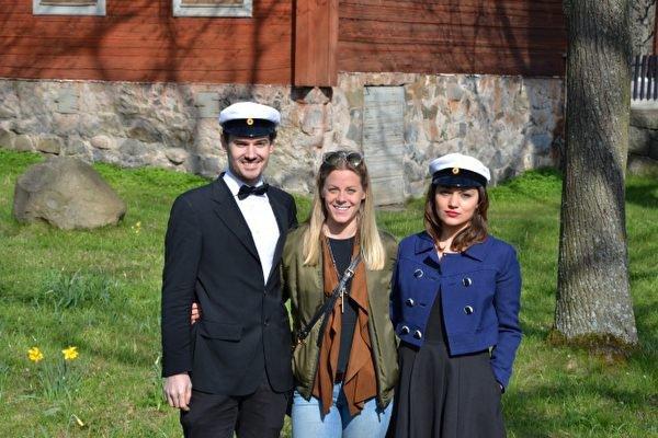 Berghs studenter deltog vid Valborgsfirandet på Skansen