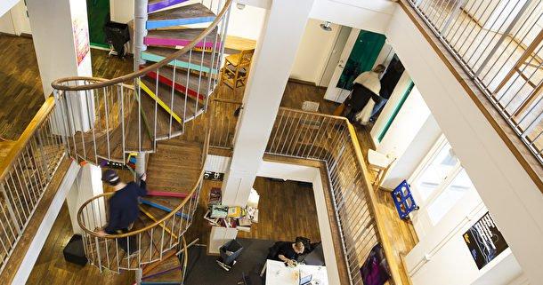 Berghs, trappa och uppehållsrum.